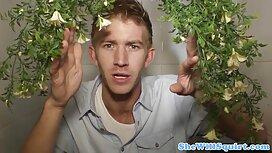 لاتین آبدار خروس نر را می خورد لینکدونی فیلم سوپر