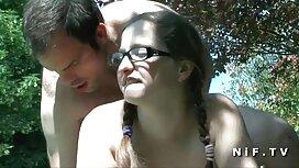 فاحشه های جوان یک دیک را روی دهان خود دانلود فیلم سوپر خارجی می گذارند